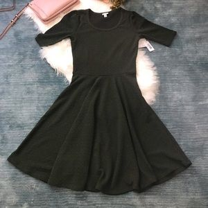 NWT LulaRoe Green Textured Nicole Dress Size M